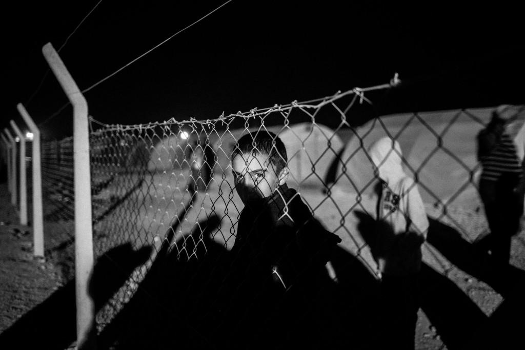 Hasun, kurdyjski uchodźca z miasta Kobane w Syrii zaatakowanego przez ISIS. Listopad 2014, Suruc, Turcja. Fot. Maciej Moskwa / Testigo Documentary