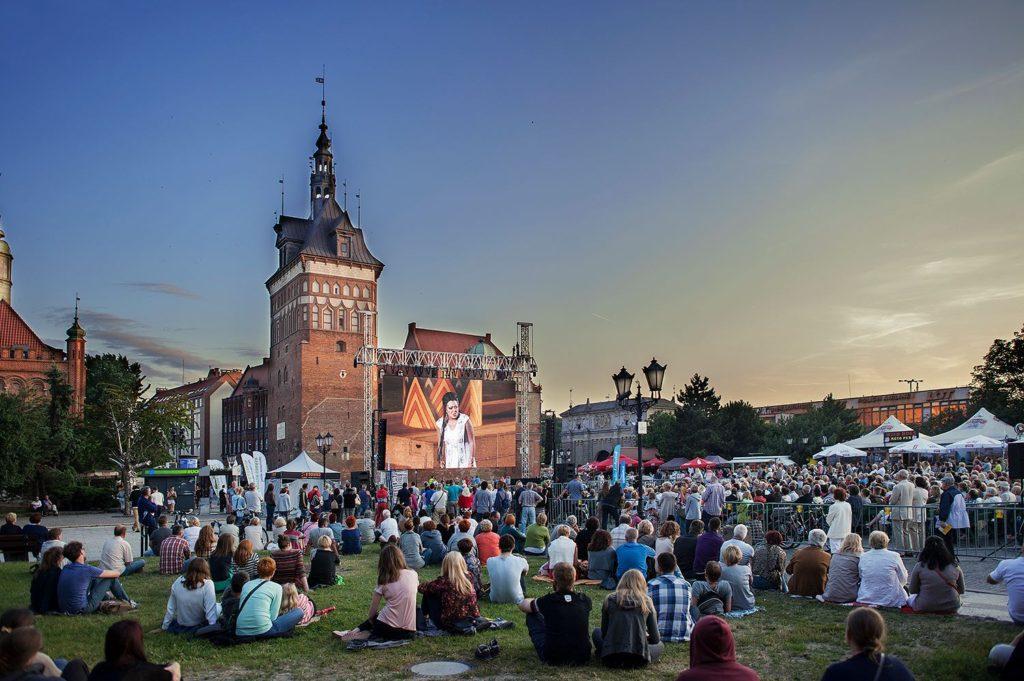 """Pokaz opery """"Aida"""" Giuseppe Verdiego na Targu Węglowym, 2015. Fot. Bogna Kociumbas."""
